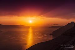 A9901714_s (AndiP66) Tags: sunset sonnenuntergang sun sonne santorini santorin thira thera greece griechenland cyclades kykladen caldera aussicht view juni june 2018 hellas ellada sony alpha sonyalpha 99markii 99ii 99m2 a99ii ilca99m2 slta99ii sigma sigma24105mmf4dghsmart sigma24105mm 24105mm art amount andreaspeters