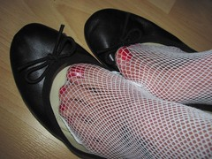 well worn 5th Avenue leather sabrinas and frilly fishnet socks (Isabelle.Sandrine2001) Tags: 5thavenueleathersabrinas frilly lacy fishnet socks shoeplay danglilng legs feet pumps ballerinas ballet flats tattoos sabrinas