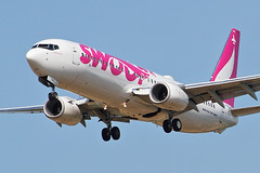 Swoop Boeing 737-800 (Derek Mickeloff) Tags: canon 7d yhm hamilton abbotsford swoop airlines 2018 boeing 737800