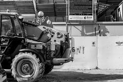 (Russo 86) Tags: biancoenero blackandwhite bnw monocromo monochrome greyscale laquila abruzzo italia italy cantiere lavori ricostruzione reconstruction