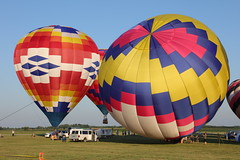 Balloons over Vermilion (Ray Cunningham) Tags: danville illinois balloons vermilion county launch hot air