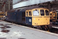 02151 33051 London Waterloo Station 18.10.1986 (31417) Tags: 33051 33 crompton waterloo london brcw