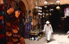 Marocco- Marrakech (venturidonatella) Tags: africa marocco morocco marrakech street strada streetlife streetscene colori colors nikon nikond500 d500 persone people gentes suk mercato market