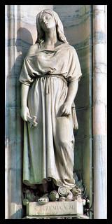 Santa Eufemia di Calcedonia, Vergine e Martire - Statua del Duomo di Milano