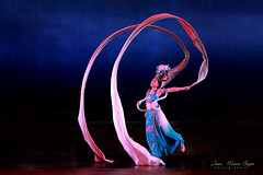 Danse Tang (jmboyer) Tags: chi0215 asie asia travel voyage chine china yahoo géo ©jmboyer imagesgoogle photoyahoo photogéo lonely gettyimages picture nationalgeographie lonelyplanet getty images shanghai portrait visage canonfrance canon flickr photos viajes danse dance tang dansetang