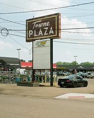 Towne Plaza (Travis Estell) Tags: canonae1 kodakportra160 massillon massillononfilm ohio ohioonfilm portra160 thedarkroomlab towneplaza shoppingcenter stripmall unitedstates us 35mmfilm