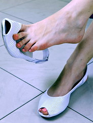 dangling (pbass156) Tags: feet foot footfetish fetish toes toefetish toenails paintedtoes painted pedi pedicure opentoe dangle dangling