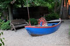 Mit dem Boot unterwegs - bei Ebbe (Sockenhummel) Tags: boote schleusenkrug tiergarten boot schiff berlin biergarten sand spielplatz playground fuji x30