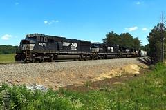 NS 322 (Steve Hardin) Tags: locomotive engine emd sd60m norfolksouthern railway railroad railfan manifest freight train braswell georgia