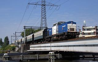 20180706 VR 203-1 + VSM-rijtuigen, Zaandam