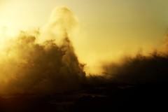 Andante del sol... (Sabine-Barras) Tags: réunion soleil waves vagues jaune yellow wind vent waterscape sunset landscape paysage ciel sky