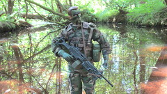 Reflections (Inaction Figure) Tags: usarmy usarmyrangers camouflage woodlandpatterncamouflage soldier 1990s dragonmodelsltd blueboxinternational 21stcenturytoys actionfigure actionman gijoe onesixthscale onesixth 16 12inchactionfigures saw m249 squadautomaticweapon forest jungle