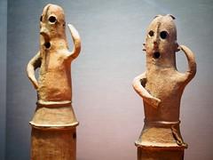 Statues (AMcUK) Tags: taitōku tōkyōto japan em10 omdem10 omdem10mkii em10mkii omd olympus olympusuk m43 micro43rds micro43 microfourthirds nippon tokyo museum artifact jp
