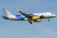 Vueling / A320 / EC-MYC / LFRS 03 (_Wouter Cooremans) Tags: nte nantes spotting spotter avgeek aviation airplanespotting vueling a320 ecmyc lfrs 03 disneyland paris livery disneylandparislivery