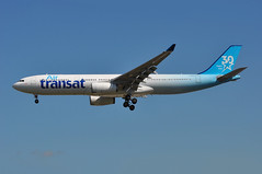 TS0422 YYZ-LGW (A380spotter) Tags: approach arrival landing finals shortfinals threshold airbus a330 300 cgkts ship001 bhyc vrhyc 30years 30ans 30th anniversary anniversaire 2017 airtransat tsc ts ts0422 yyzlgw runway26l 26l london gatwick egkk lgw