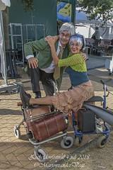 Tante Till en Oom Nico (Marjon van der Vegt) Tags: zeeheldenfestival2018 denhaag feestfestival mensen kinderen toneel theater muziek genieten zon gezellig ontmoeten eten drinken luisteren dansen