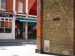 Marylebone London (Jonathon Bennett Photos) Tags: cafe bar indianfood marylebone london streetscene streetlife colour phaseone