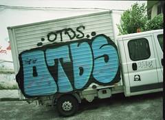 Steep parking (Todron) Tags: pentax pentax645n p645 pentax645 45x6 645 120 220 mediumformat medioformato filmcamera film 45mm 45mmf28 wide wideangle grandangolo kodak portra portra160vc expired 2007 exp2007 negativefilm c41 epson epsonv600 v600 napoli naples