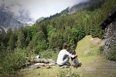 complicité avec mon Nasco (bulbocode909) Tags: valais suisse mex alpagedeladjette montagnes nature forêts arbres printemps vert brume chiens personnes alpages fabuleuse