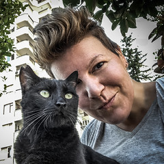 Our selfie (Melissa Maples) Tags: antalya turkey türkiye asia 土耳其 apple iphone iphonex cameraphone morning summer square 11 me melissa maples selfportrait woman brunette animal kitty cat blackcat