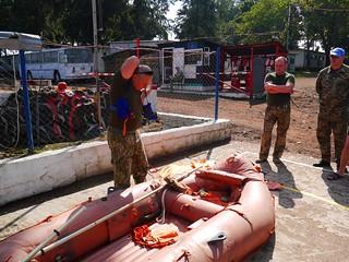 Українські миротворці Місії ООН зі стабілізації в ДР Конго здійснили тренування рятувальної операції шляхом десантування з вертольота на воду