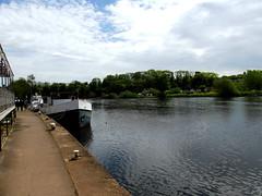 Gunthorpe Bridge (kelvin mann) Tags: gunthorpe nottinghamshire notts water boats river rivertrent outdoors