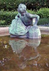 - (txmx 2) Tags: türpe 1900 stuhlmannbrunnen altona fountain statue bronce reflection water wasser