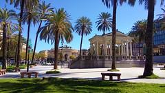 IMG_20180402 -  palermo - la grande piazza (molovate) Tags: palermo tafme piazze centrocittà villa palma ppanchina villetta giardino xiaomi redmi note3