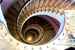 flickerls fuss (lualba) Tags: staircase wendeltreppe münchen munich