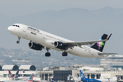 Volaris A321 XA-VLU (altinomh) Tags: volaris a321 xavlu airbus take off departure aviation aircraft airlines lax klax los angeles international airport