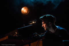 Nils Frahm @ Cactus (Raf Degeest Photography) Tags: nilsfrahm cactus brugge minnewater belgium concert
