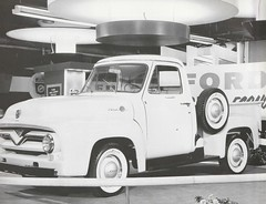 1955 Ford F-100 Chicago Auto Show Press Photo - USA (Five Starr Photos ( Aussiefordadverts)) Tags: 1955 ford f100 fordf100 1955fordf100chicagoautoshow 1955chicagoautoshow fordusa fordtrucks