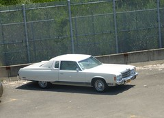1975 Chrysler New Yorker Brougham (R36 Coach) Tags: chrysler chryslernewyorkerbrougham chryslernewyorker 1975