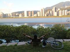 八里媽媽嘴.King of the world? (nk@flickr) Tags: friend taiwan cycling 20180714 台湾 台北 taipei 阿強 八里 bali 台灣 canonefm22mmf2stm