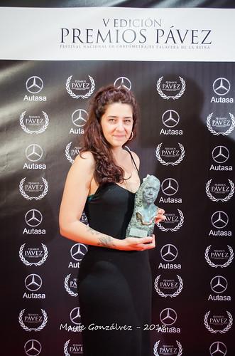 Adriana Adeva con el Pávez a Mejor Película Autonómica