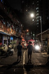 Streets of Mumbai (reinaroundtheglobe) Tags: mumbai india night nightphotography streetphotography people streetscene dark streetlife