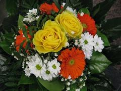 Beautiful Flower Bouquet (Hannelore_B) Tags: blumen flowers blumenstraus flowerbouqet straus bouquet
