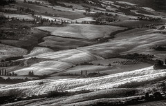 Layercake (Fr@nk ) Tags: blackandwhite bw layer cake frnk canon europe travel tuscany toscane eos5dmkii ef70200mmis topf25 topf50 topf100 topf150 wow krumpaaf mrtungsten62 interesting north coth5 history lines avatar hiking photogear macromondays 7dwf newyork golden beach lyng interestingness centac101 mrtungsten62rec