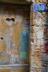 (Jean-Luc Léopoldi) Tags: porte vieilleville bois coeur peinture couleurs vétuste