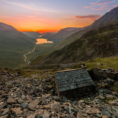 Room with a view (Wizmatt) Tags: warnscale bothie bothy mountain association beck slate miners buttermere crummock water honister mining estate gatesgarth lake district cumbria north west england landscape photograph sigma1020mm wide angle sunset clouds colours room with view building brickwork upland industry history people man made canon 70d travel photography