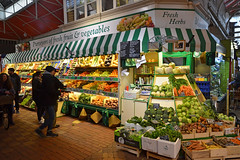 Oxford covered market (Thomas Roland) Tags: covered market fruit vegetables green gorcer historic travel rejse trip city by oxford uk great britain england oxfordshire nikon d7000 spring march marts forår 2018