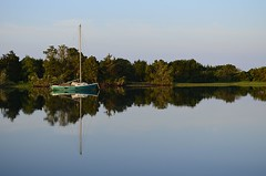 Coastal Serenity (pjpink) Tags: waterfront reflection boat sailing sailboat moored dock morning serene calm tranquil beaufort northcarolina nc carolina coast coastal eastcoast crystalcoast may 2018 spring pjpink 2catswithcameras