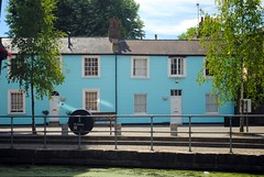 Blue house, you saw me standing alone (zawtowers) Tags: jubilee greenway section 3 three walk saturday 23rd june 2018 sunny warm blue skies camdenlocktovictoriapark regents canal amble stroll walking exploring london city urban painted front house view colour bright