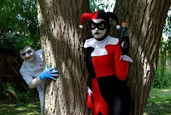 Essex Comic Con 2018 XII (Lee Nichols) Tags: essexcomiccon2018 canoneos600d cosplay cosplayers costume costumes comiccon photomatix photoshop handheldhdr hdr harleyquinn thejoker joker harleyquinncosplay couple