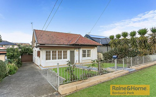 6 Roy St, Kingsgrove NSW 2208