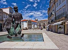 Praça da República, Viana do Castelo (Portugal) (Miguelanxo57) Tags: plaza escultura caramuru vianadocastelo portugal nwn