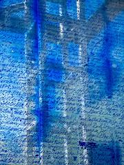 Blauer Obelisk von Hella Santarossa (1995) (Christa Bronner und Wolfgang Bruchhagen) Tags: blauerobelisk hellasantarossa glasobelisk glas charlottenburg berlin theodorheussplatz westend