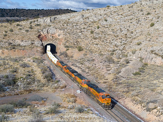 BNSF 6932 East at Nelson, AZ