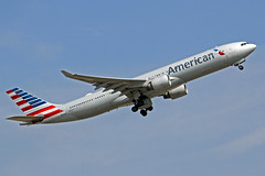 American Airlines Airbus A330-323X N277AY LHR 01-07-18 (Axel J. ✈ Aviation Photography) Tags: americanairlines airbus a330 n277ay lhr london heathrow luftfahrt fluggesellschaft flughafen flugplatz aircraft aeroplane aviation airline airport airfield 飞机 vliegtuig 飛機 飛行機 비행기 авиация самолет תְעוּפָה hàngkhông avion luchtvaart luchthaven avião aeropuerto aviación aviação aviones jet linienflugzeug vorfeld apron taxiway rollweg runway startbahn landebahn outdoor planespotter planespotting spotter spotting fracht freight cargo