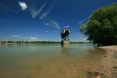 IMG_2364 (szam.david) Tags: danube coal water skye industry